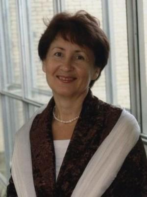 Лидия Семенова – музыкант, педагог, а также автор и руководитель масштабных музыкальных проектов, с 2010 года возглавляет Тольяттинскую филармонию.