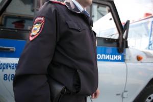 Спецотряд быстрого реагирования (СОБР) Росгвардии выехал на место захвата заложников.