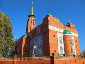 Дмитрий Азаров поздравил мусульман Самарской области с праздником Ураза-байрам