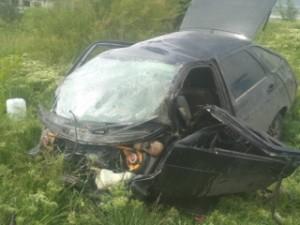 Водитель погиб. Его тело из салона автомобиля доставали спасатели.