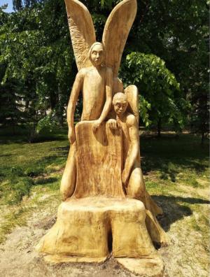 В областном центре в Загородном парке появилась удивительная композиция