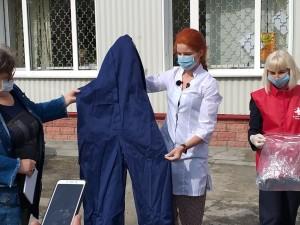 Очередную партию защитных средств передали сегодня персоналу Станции скорой медпомощи Тольятти