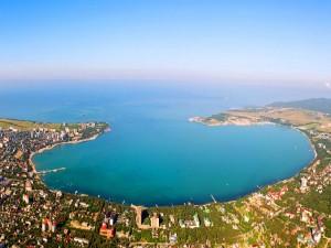 Отдельные пляжи на курортах региона в случае их соответствия требованиям регионального управления Роспотребнадзора могут открыть.