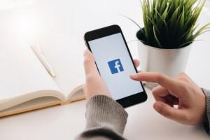 Посты СМИ, контролируемых государством, получат в Facebook специальную отметку.