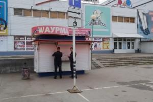 Судебные приставы на 14 суток приостановили деятельность тольяттинского павильона с шаурмой