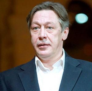 Суд отправил под домашний арест Михаила Ефремова