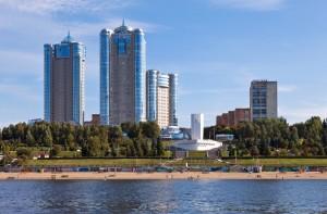 Какую сумму жители Самарской области считают страховкой от кризиса и как её накопить
