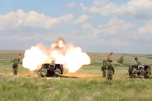 Артиллеристы ЦВО провели в Самаре первую тренировку в рамках подготовки к салюту 24 июня