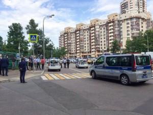 По предварительной информации, стрелявший - приезжий с Кавказа.