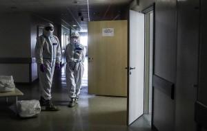 Глава Росздравнадзора Алла Самойлова отметила, что изначально страна не была готова в полной мере столкнуться с эпидемией, в частности, было мало средств индивидуальной защиты.