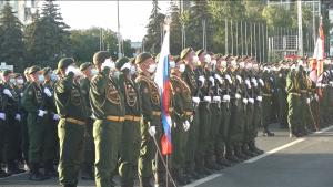 В центре Самары прошла первая совместная репетиция пеших и механизированной колонн парада Победы