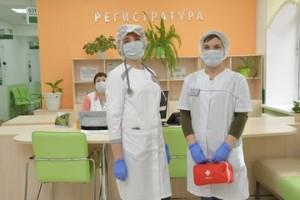Дмитрий Азаров поздравил самарских врачей с Днем медицинского работника