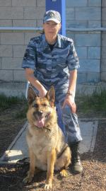 Благодаря кинологу со служебной собакой удалось задержать подозреваемых в краже из магазина в Самарской области