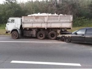 В Ставропольском районе водитель врезался в стоящий КАМАЗ