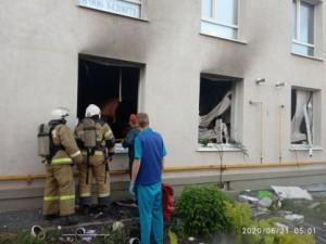 Олег Бойко доложил, что в результате взрыва в квартире были полностью разрушены межкомнатные перегородки, серьезно пострадали и соседние квартиры.