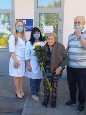 Почти месяц Клавдия Алексеевна провела в больничной палате, пока врачи госпиталя делали все возможное, чтобы победить болезнь.