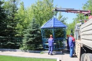 Специалисты «РКС-Самара» установили беседку для набора воды на Городском кладбище.