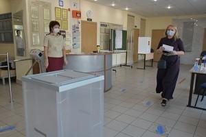 Работники ведомства проверят наличие дезинфекторов, масок, перчаток и разметок на полу.