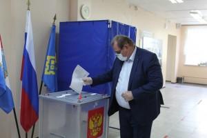Сергей Анташев проинспектировал избирательные участки Тольятти