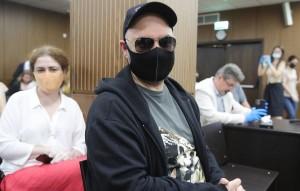 Суд пришел к выводу, что режиссер осуществлял общее руководство схемой по хищению денег.