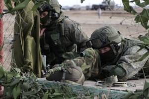 В учении приняли участие около 500 военнослужащих, было задействовано более 80 единиц военной техники.