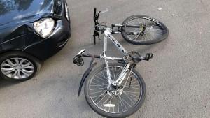 В Тольятти легковушка сбила подростка-велосипедиста
