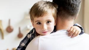 Семьям, которым ранее были зачислены выплаты на детей, не надо вновь оформлять заявление, очередная выплата будет автоматически зачислена на счет, указанный ранее.