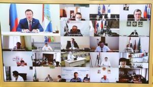 Дмитрий Азаров провел заседание регионального оперативного штаба по предупреждению завоза и распространения новой коронавирусной инфекции.