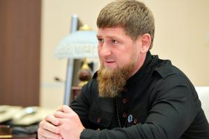"""""""Сегодня кто может заменить его? Нет такого политического лидера в мировом масштабе"""", — заявил Кадыров."""