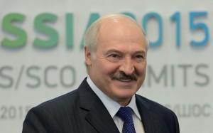 Белорусский лидер пообещал позже встретиться с врачами, находящимися на передовой борьбы с CoViD-19.