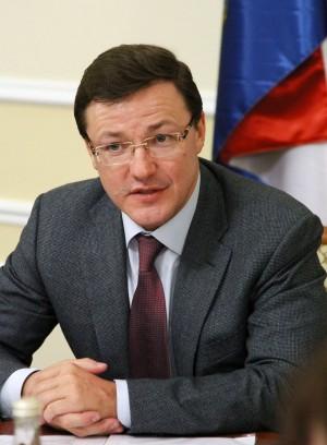Губернатор Дмитрий Азаров встретился с лидерами региональных отделений политических партий