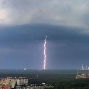 Гроза разрушила туристический лагерь в Красноярском крае