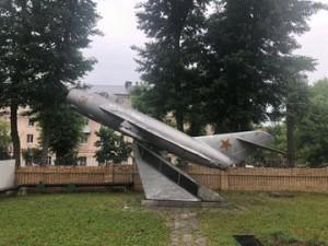 Военнослужащие ЦВО передадут памятник-самолет МиГ-17 в Самаре городским властям