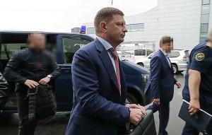 В СК заявили, что губернатора Хабаровского края допросили в качестве обвиняемого.