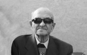 100-летний ветеран Иван Несмеянов жил один, но его часто навещали дети и соседи.