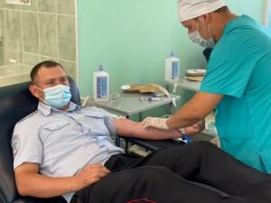В Самарской области сотрудники полиции в очередной раз стали донорами крови