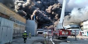 Крупный пожар в Самаре: огонь охватил 2500 кв. метров