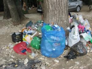 """Красноглинский пляж в Самаре превратился в """"помойку"""" Об этом проинформировали отдыхающие."""