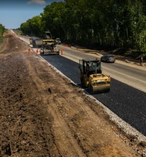 Так, в течение июля дорожники планируют полностью открыть движение по прямому ходу автомобильной дороги.