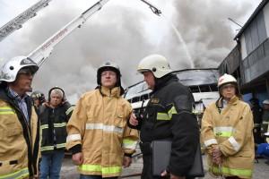 Дмитрий Азаров поручил проверить компанию, которая все эти годы проводила оценку пожарной безопасности на складе.