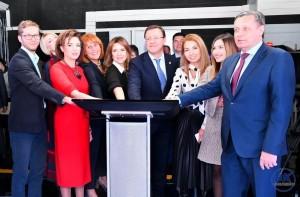 Поздравляя коллектив компании, глава региона отметил, что за время своего существования «ВГТРК выросла в авторитетнейшую телерадиокомпанию».