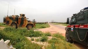 В результате атаки были частично повреждены два транспортных средства.