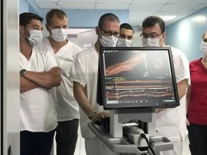 Новое оборудование позволяет хирургу во время операции принять очень точное решение по каждому пациенту индивидуально.
