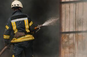 Для тушения пожара привлекли 28 спасателей и восемь единиц техники.