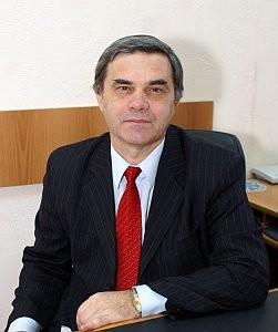 Валерий Дмитриевич являлся одним из ведущих профессоров, внесшим заметный вклад в развитие отечественной аэрокосмической отрасли и ведущих научно-образовательных школ университета.