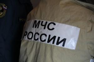 На трассе в Сызрани тушили горящую иномарку