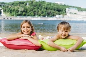 Главное управление напоминает жителям области: отдыхая на воде, посещайте специально оборудованные пляжи!