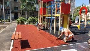 Срок завершения работ по обновлению дворов - до 31 августа 2020 года.