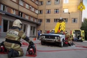 В Тольятти состоялись областные соревнования по проведению аварийно-спасательных работ на транспорте