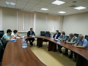 Они посетили Самарский областной клинический кардиологический диспансер и провели встречу с министром здравоохранения Самарской области Арменом Беняном.